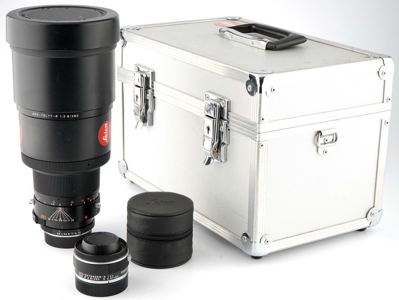 Leica Apo-Telyt 280mm F2.8 with Apo Exender R 1.4x & Case