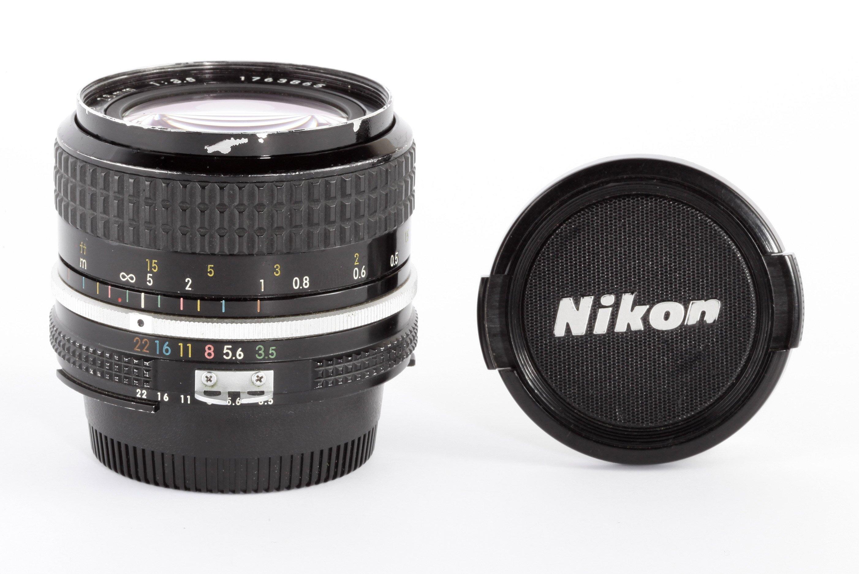 Nikon 3,5/28mm Ai MF
