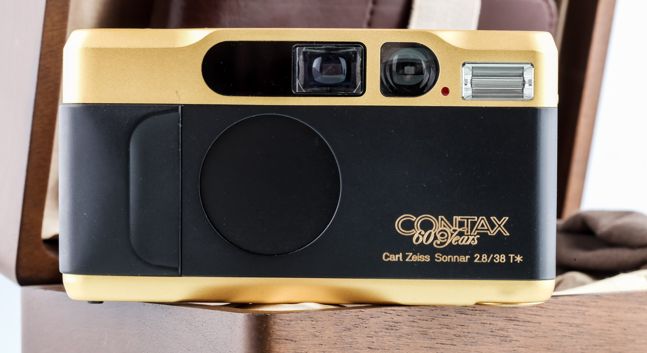 Contax T2 Gold 60.Jahre
