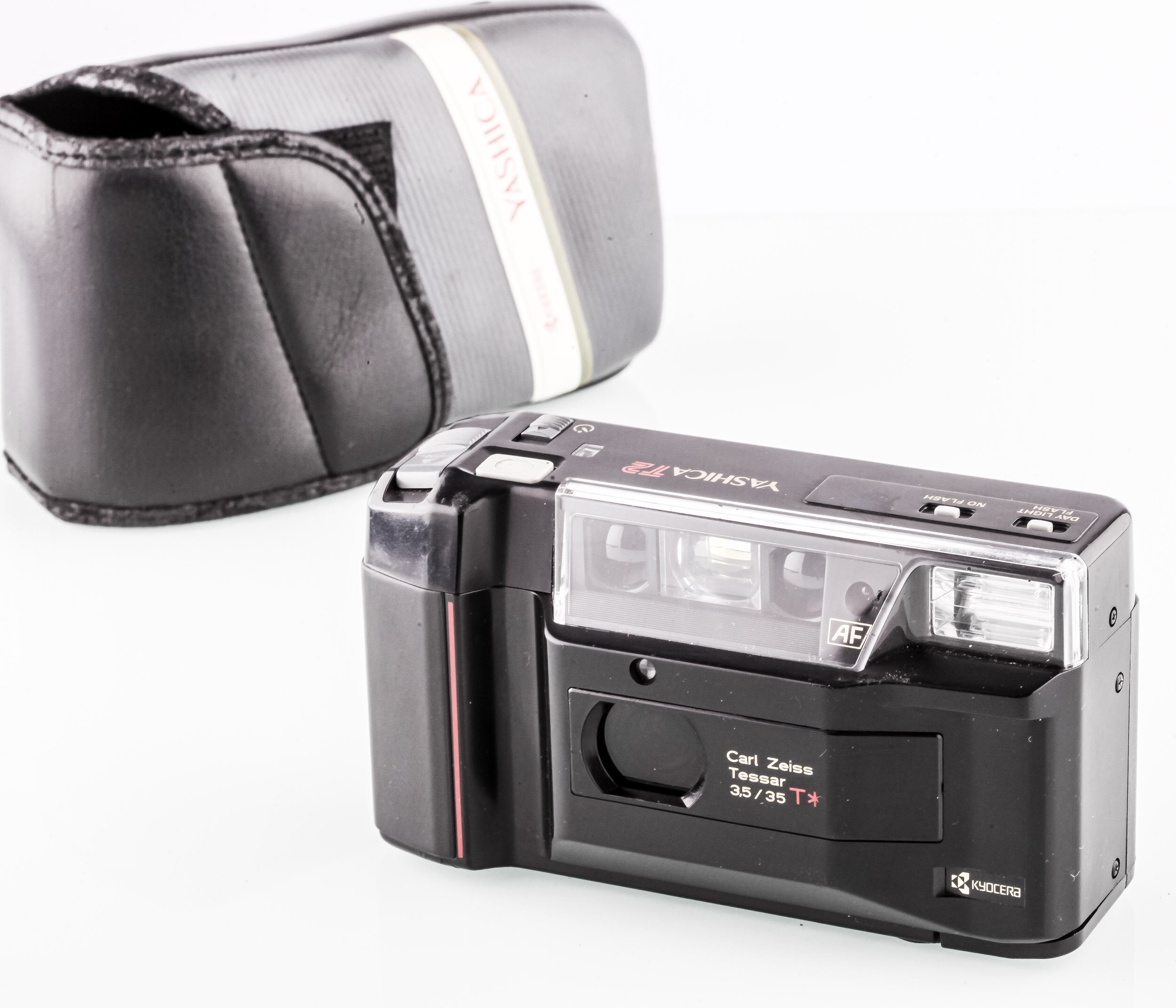 Yashica T2 mit Carl Zeiss 35mm F3.5 Tessar T*