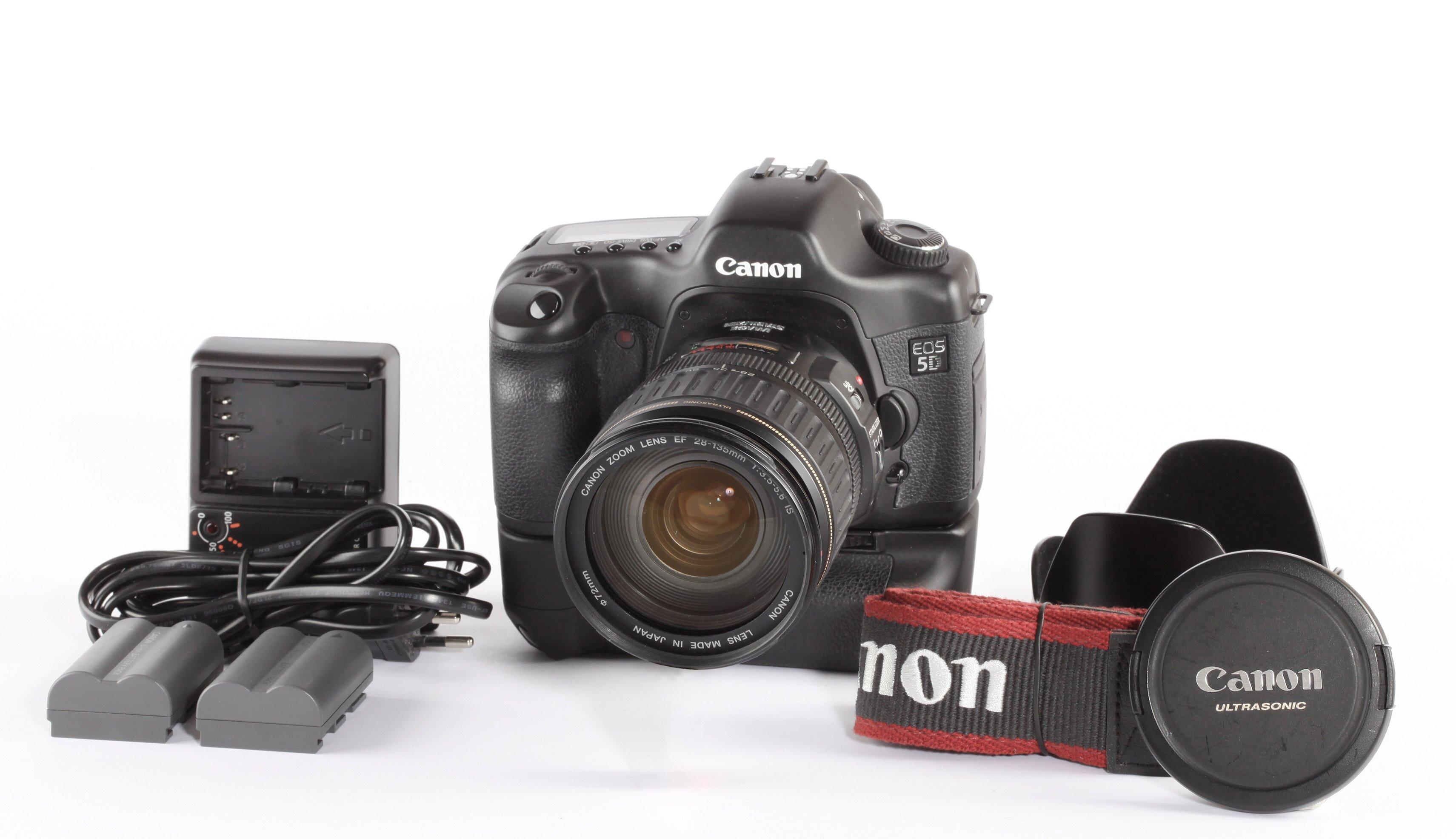 Canon EOS 5 D +Canon 28-135mm IS + BG-E4