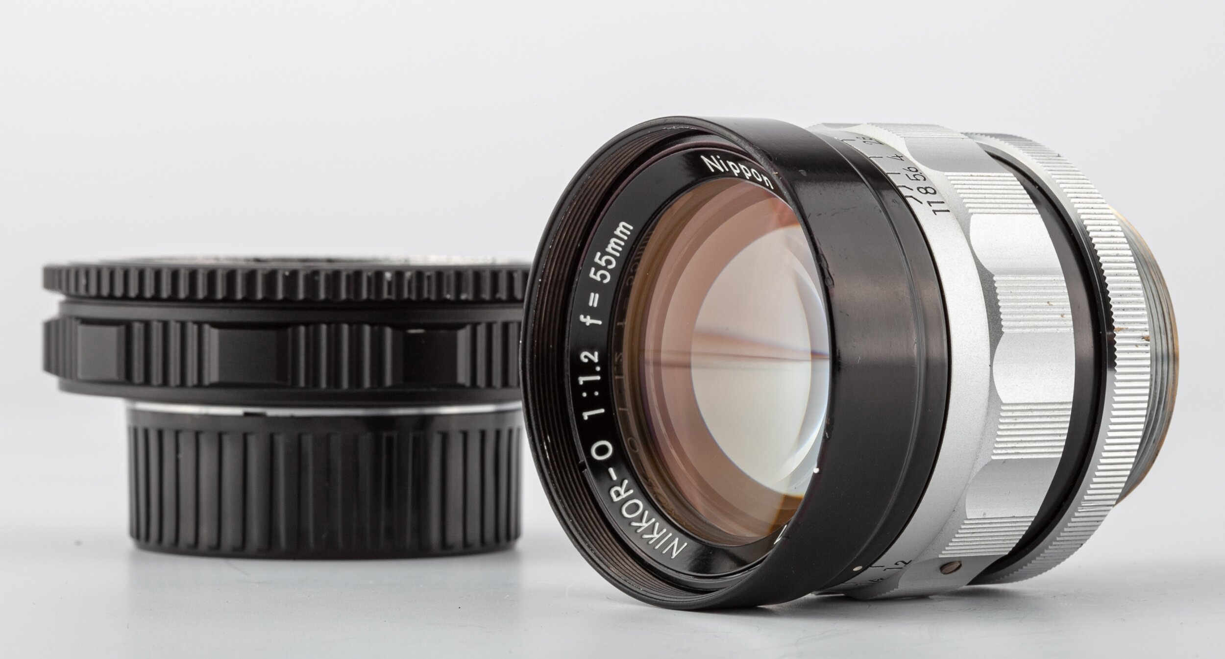 Nikkor-O 1,2/55mm Nippon Kogaku mit Adapter Leica M/Nex Sony